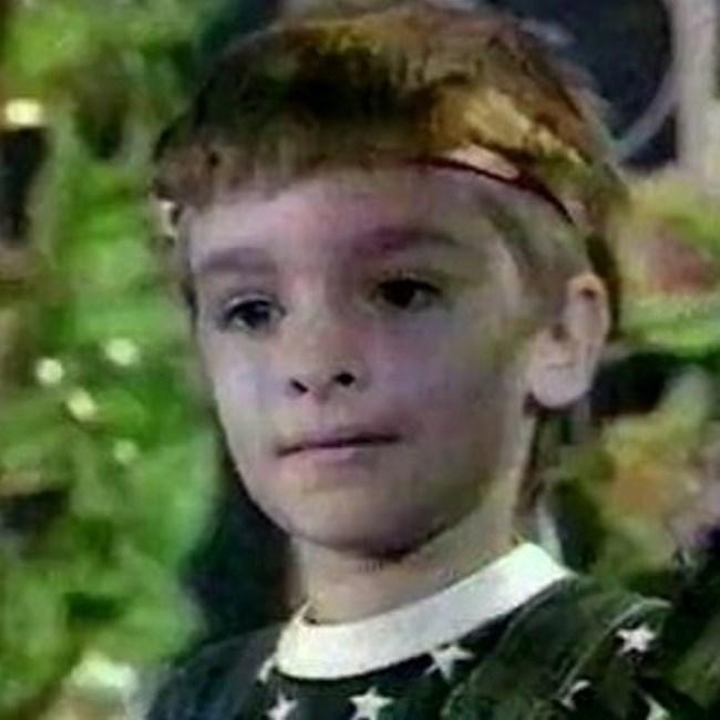 """Рапърът Криско е бил много сладко дете. Като малък той участва в """"Като лъвовете"""" с водещ Ники Априлов. Първо там показва музикалния си талант."""