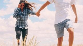 Сексът със стари мъже, или защо времето на държанките се завръща