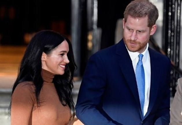 Лондончани подкрепят принц Хари и Меган след вестта, че двамата губят титлите си