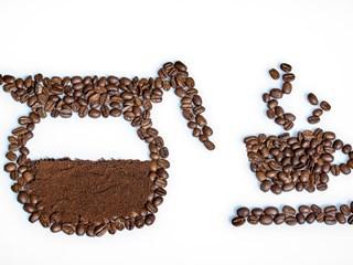Не изхвърляйте утайката от кафе. Ползвайте я в домакинството
