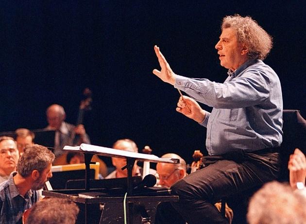 Великият композитор Микис Теодоракис почина на 2 септември