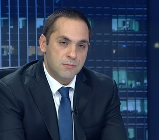 Емил Караниколов: Грантове за 220 млн.  за малките фирми и 156 млн. лв. за  средните тръгват към тях до дни