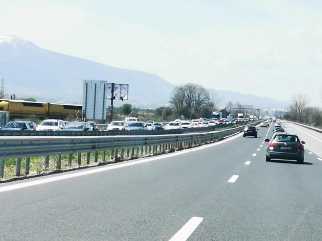 90 177 коли се върнаха в София, чакат още 407 393 на 9 май