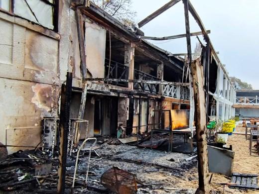 Пожар почти унищожи варненско плажно заведение