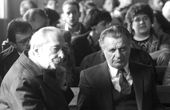 Любомир Шиндаров и Григор Стоичков в съда по време на делото за скриването на истината за Чернобил