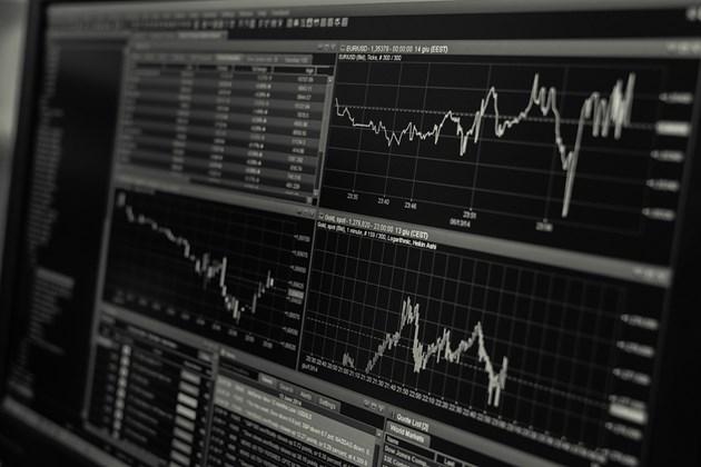 Индексите на водещите европейски фондови борси леко се повишиха