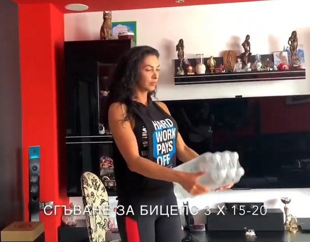 Биляна Йотовска вдига бутилки вместо гири