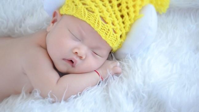 Плетките на баба вече и в съвременната бебешка мода