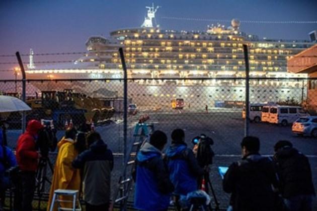 """Още 99 с коронавирус на круизния кораб """"Даймънд принсес"""""""