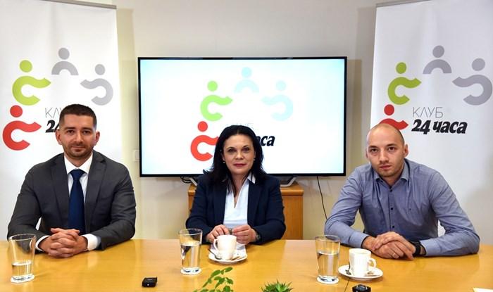 Политологът Слави Василев, социоложката Геновева Петрова и политологът Дими4тър Ганев по време на видеодебата