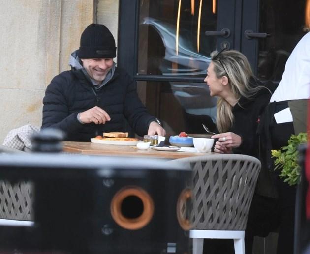 Райън Гигс закусва с новото си гадже Зара Чарлз