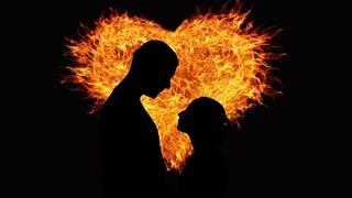 Е.П.: Приключих с полущастливия си брак и любовта ме чакаше на ъгъла