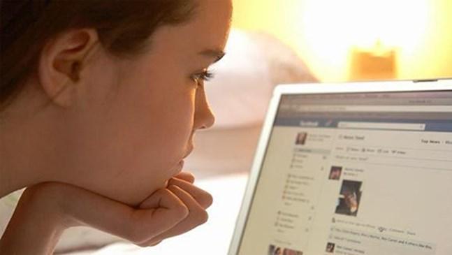 Новото детство - от игра на ластик до профил в социалните мрежи още на 10 години