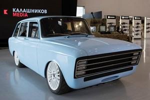 """Производител на оръжия """"Калашников"""" показа своя прототип на електромобил с ретро дизайн, чиято визията напомня на емблематичния """"Москвич""""."""