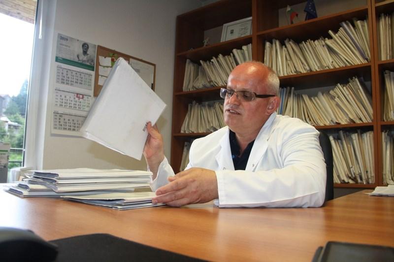 Д-р Митко Хаджиев