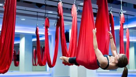Защо да пробваме въздушна йога