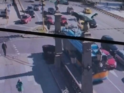 Камерите в София вече ще засичат дори шофьорите, говорещи по телефон