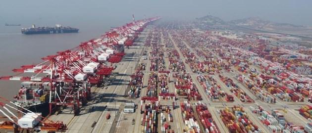 Радио Китай: Стабилното развитие на Китай стимулира растежа на световната икономика