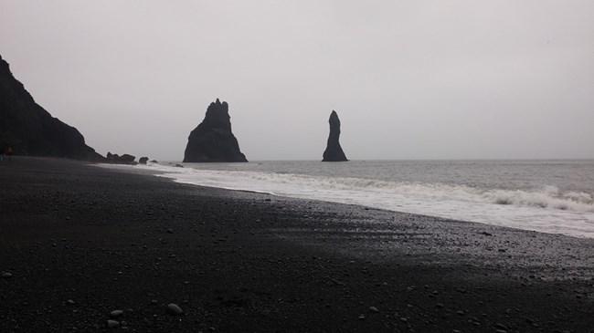 Черен плаж на северното атлантическо крайбрежие