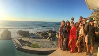 Нина Добрев с приятели в Южна Африка
