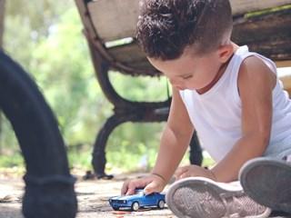 Лесни и забавни игри за физическа активност на детето у дома