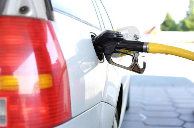 Дизелът и бензинът няма да скачат до края на лятото