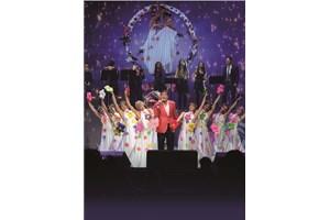 Концертите на певеца са истински спектакли.