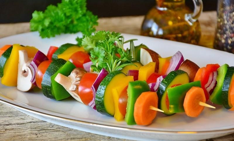 Диетите, основаващи се на растителни продукти, са богати на полезни хранителни вещества, витамини и минерали, което е важно за здрава имунна система.