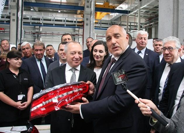 Борисов: На голите поляни, където пасяха магарета, расте завод след завод (Обзор)