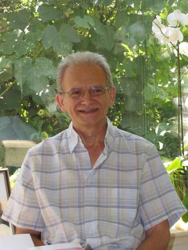Петър Няголов - преподавател по саморазвитие и енергиен лечител