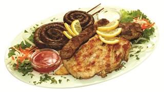 Сръбската кухня гощава със салата от сирене и лесковски октопод (+рецепта)