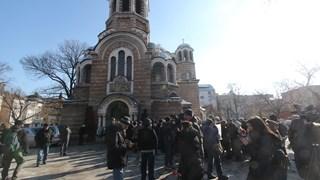 Стотици на поклонението на Иван Ласкин (Снимки + видео)