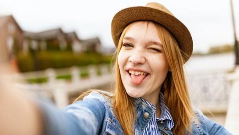 4 ползи за здравето от почистването на езика