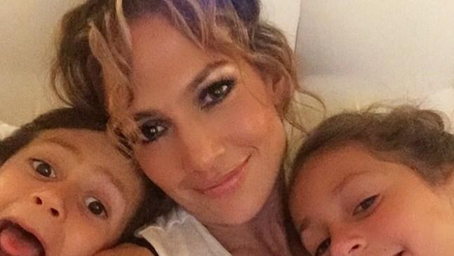 Дженифър Лопес написа най-сладкото пожелание за рождения ден на своите близнаци