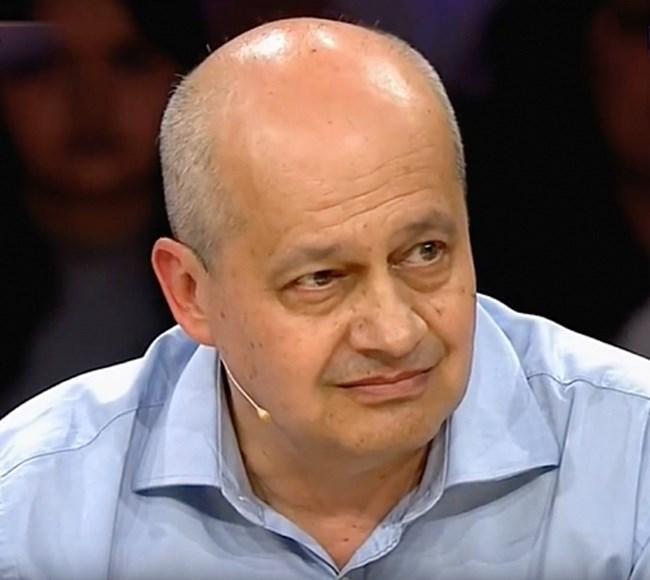 Преводачът й Стоян Петров разказва от първо лице точно какво е предсказанието.