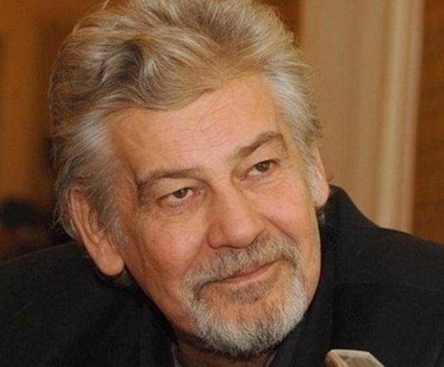 Доведеният син на Стефан Данаилов: В кома е, за да не се мъчи