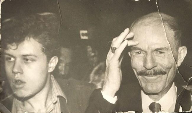 Авторът и Иззат Дури през 1995 г.   СНИМКА: РУМЯНА ТОНЕВА