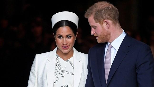 Меган нарушава поредна кралска традиция! Запазва в тайна подробности за раждането