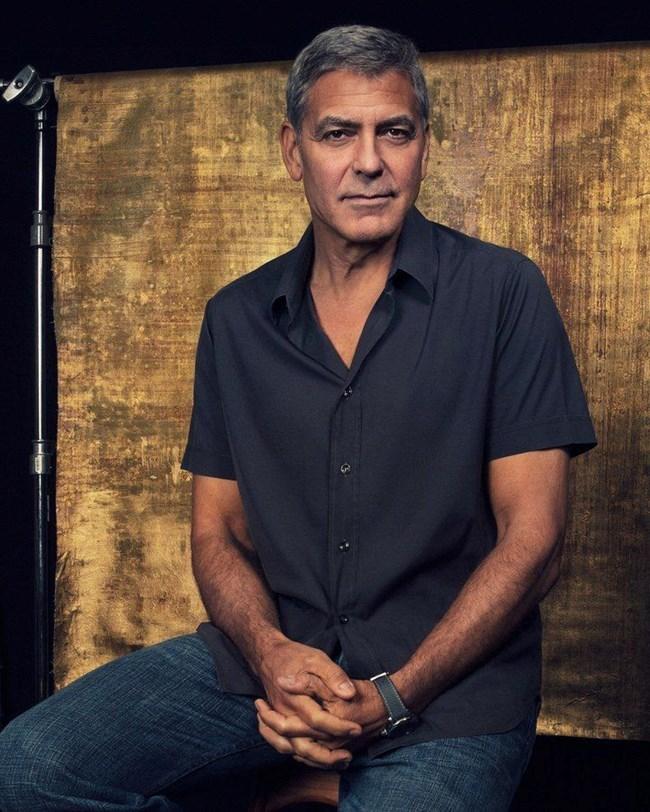 """Джордж Клуни ще бъде режисьор и актьор в """"Параграф 22""""."""
