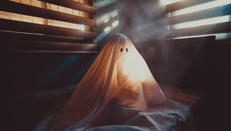 6 признака, че духове се опитват да се свържат с нас
