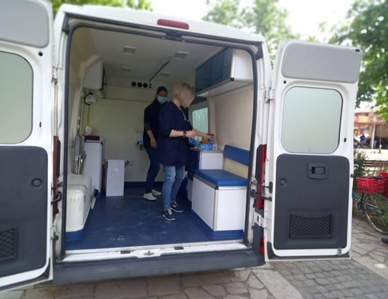 """Мобилният бус за ваксинация напразно чакаше опашки за ваксинация в """"Столипиново"""""""