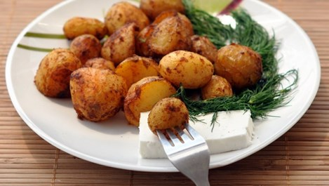 Картофи с подправки
