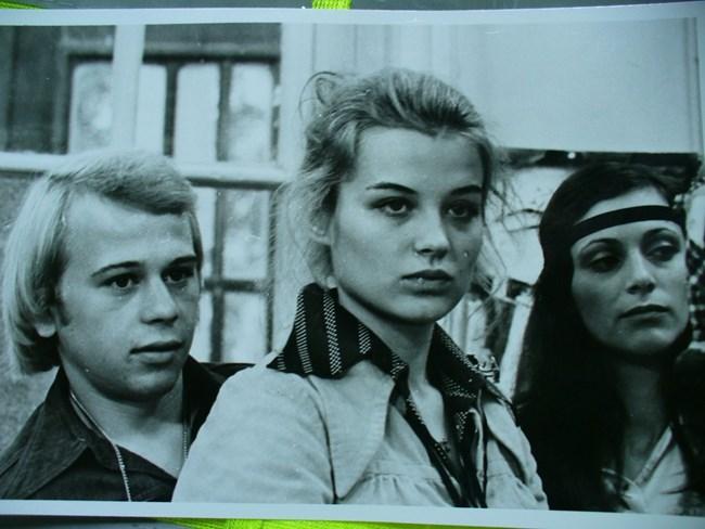 """Кадър от филма """"Адаптация"""", в който героинята на Аня Пенчева се казва Жечка."""