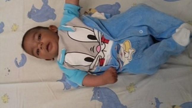 Търсят приемно семейство за изоставеното бебе на паркинг в Пловдив (Обновена)