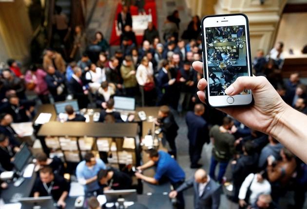 """""""Виваком"""" с жалба в КЗК заради iPhone"""
