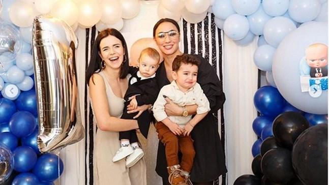 Мария Илиева и синът йна 1-ия рожден ден намомченцето на Мона Гочев