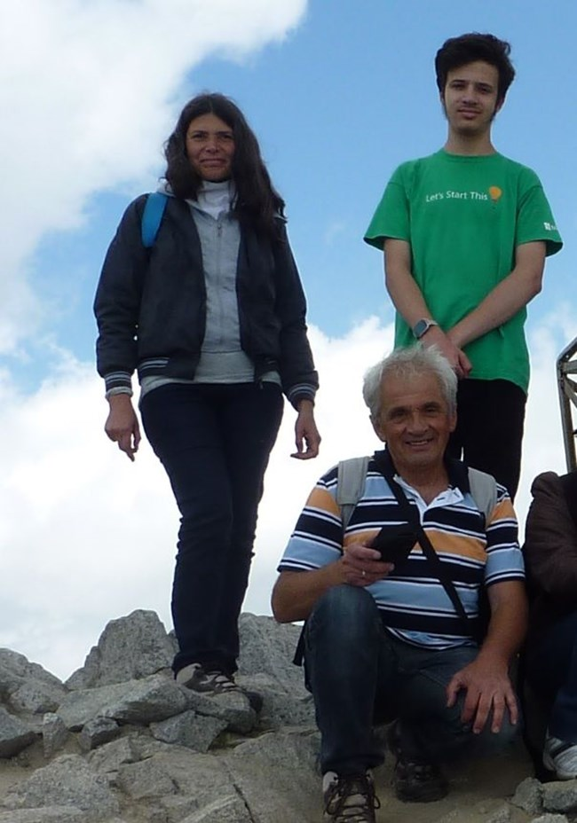 Семейството на разходка до Мусала.