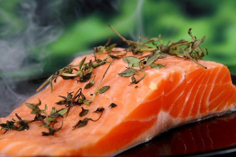 Включете в менюто си храни,  богати на омега-3 мастни  киселини, витамини и минерали