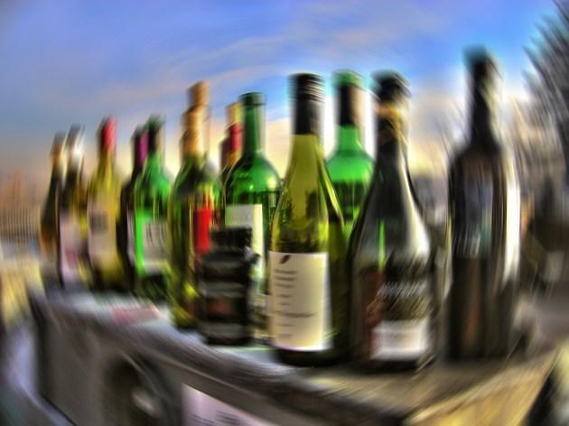 Търговската война и Брекзит могат да вдигнат цената на алкохола с 10 лв. на бутилка