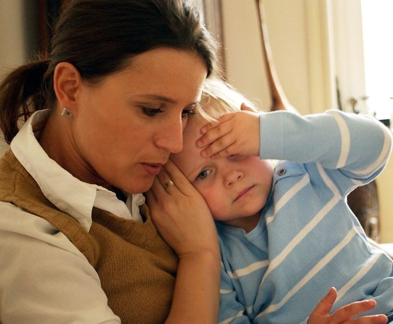 Високата температура е насоващ общ симптом, диагнозата се прецизира с електрокардиограма и изследвания.